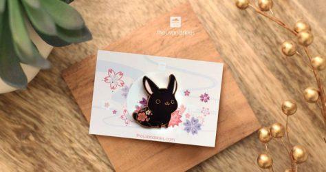 thousandskies – Black rabbit enamel pin
